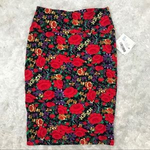 NWT LulaRoe Cassie Red Rose Floral Skirt